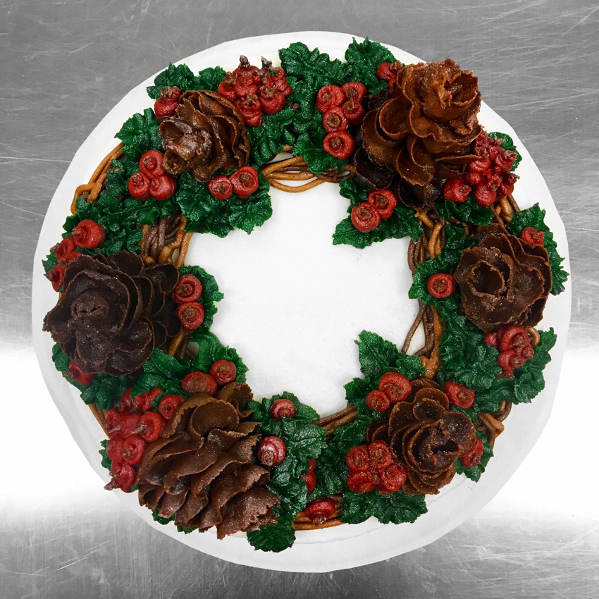 Pinecone Wreath Holiday Cake